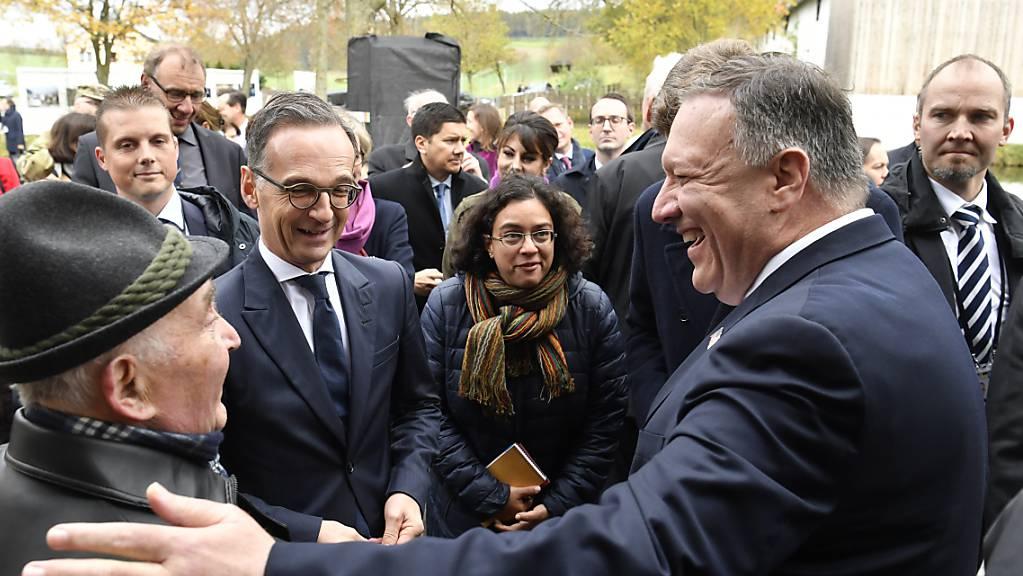 Mit seinem zweitägigen Besuch in Deutschland will US-Aussenminister Mike Pompeo (rechts) die transatlantische Partnerschaft stärken. In der Mitte: Sein deutscher Amtskollege Heiko Maas.
