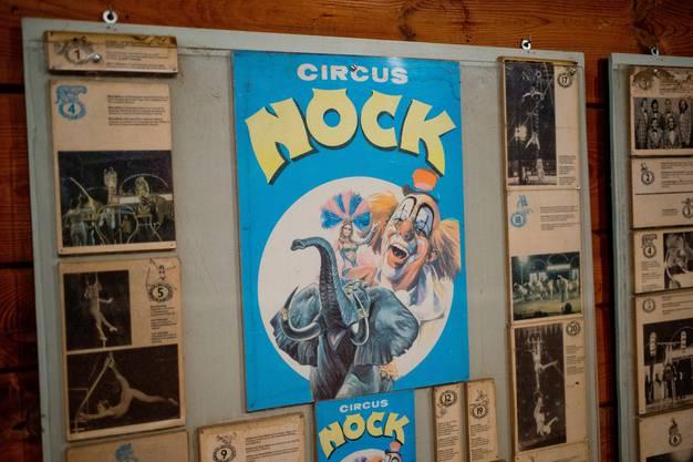 An der Wand hängen 143 Jahre Zirkusgeschichte Nock