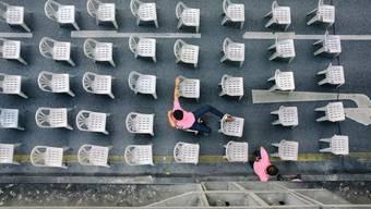 Der Monobloc ist der am weitesten verbreitete, aber auch umstrittenste Stuhl der Welt.