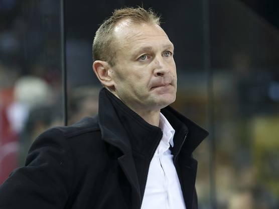 Der Kanadier wurde im Herbst 2017 unter mysteriösen Umständen in Lausanne entlassen und wartet seither auf einen neuen Job. Der 48-Jährige hatte an allen seinen bisherigen Trainerstationen (Olten, Straubing, Salzburg und in seiner ersten Saison auch in Lausanne) Erfolg.