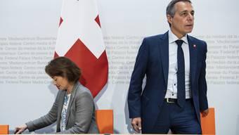 Haben das Heu nicht auf der gleichen Bühne: Staatssekretärin Pascale Baeriswyl und Aussenminister Ignazio Cassis.