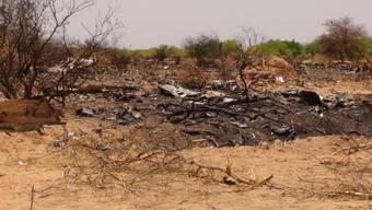 Trümmer an der Absturzstelle in Mali