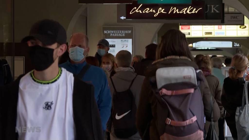 Soll Maskenpflicht für Geimpfte aufgehoben werden?