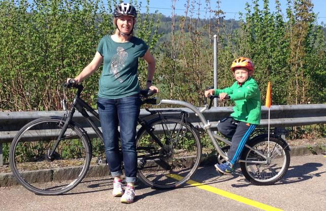 Simone Hochstrasser ist selber oft mit dem Velo und ihrem fünf-jährigen Sohn Luc unterwegs