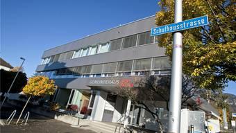 Die Auseinandersetzung ereignete sich beim Gemeindehaus an der Schulhausstrasse in Langendorf. (Archiv)