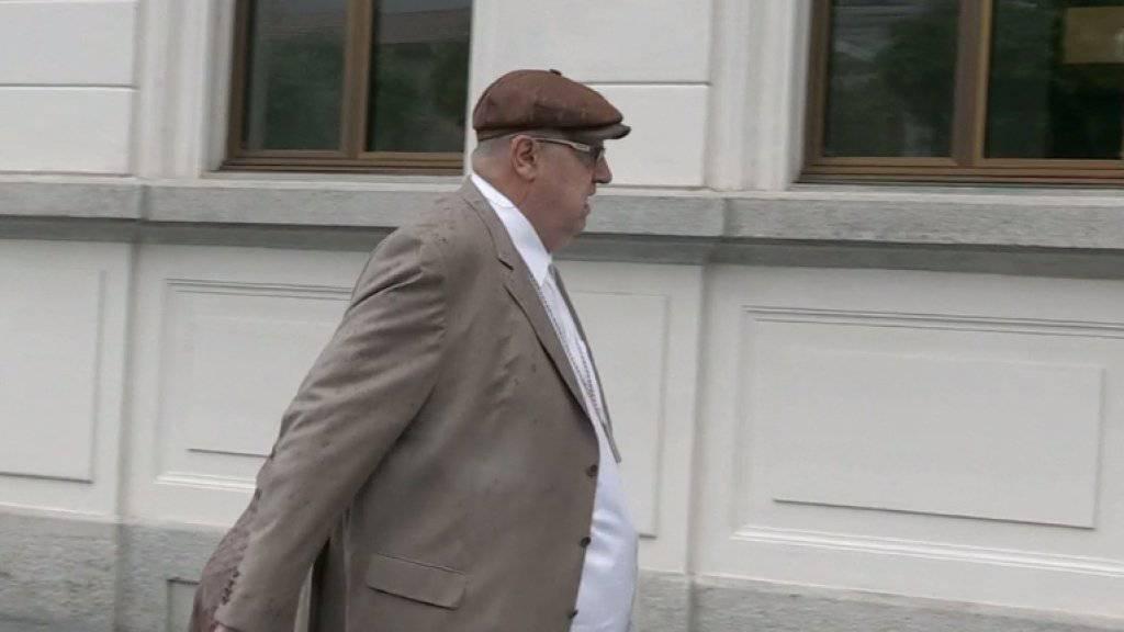 Dieter Behring vor dem Bundesstrafgericht in Bellinzona. Der 61-Jährige soll rund 2000 Anleger um insgesamt 800 Millionen Franken betrogen haben.