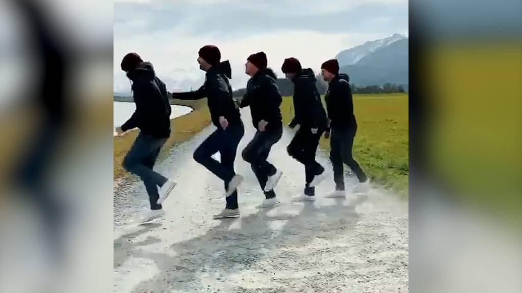 Top synchron: Fäaschtbänkler shuffeln zu eigenem Remix