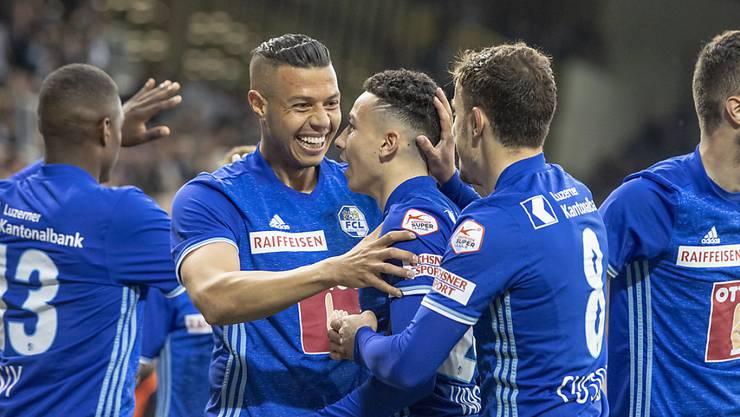 Luzern mit Ruben Vargas (Mitte) spielte sich auf Platz 3