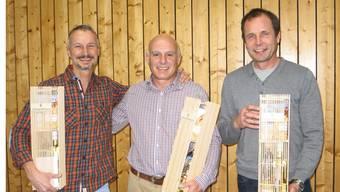 Verabschiedet wurden Gemeindeammann Ueli Schenk, Schulpflegepräsident Roland Schürmann und Finanzkommissionsmitglied Peter Deiss.