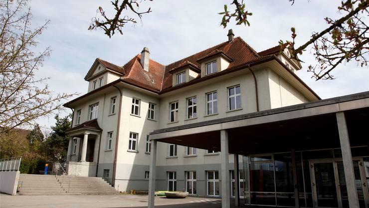 Schnottwil: Die Gemeinde will das alte Schulhaus nicht verkaufen.