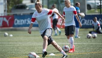 Nati-Captain Caroline Abbé holt sich am kommenden Mittwoch in Baden beim Aufeinandertreffen mit Deutschland den letzten Schliff für die Fussball-WM. Keystone