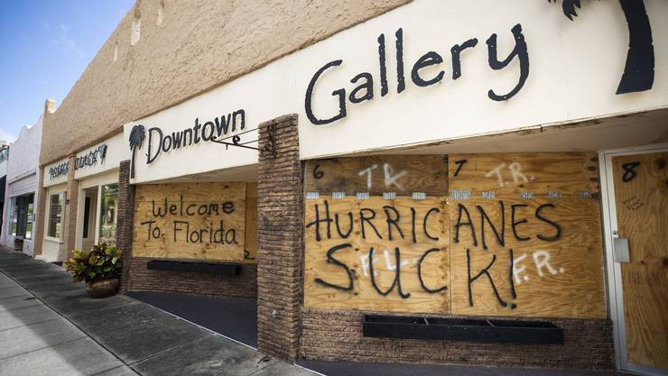 «Hurricanes suck!» Verbarrikadierte Geschäfte in Titusville, Florida am 1. September.