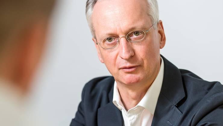 Stefan Wolter setzt auf Notfallpläne. Die Durchführung der Lehrabschlussprüfung sieht er als kleineres Problem.