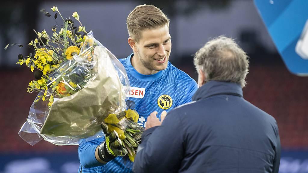Der FC Zürich beschenkt Meister Young Boys mit Blumen und zwei Toren