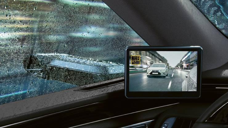 Auch Lexus lanciert digitale Aussenspiegel: Ob sich das System tatsächlich unter widrigen Wetterbedingungen beweisen kann, bleibt aber abzuwarten.