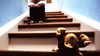 Vater missbraucht Tochter sexuell – trotz neuer Initiative wird er nicht bestraft (Symbolbild)