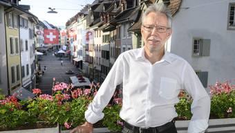 «Das Moralisieren macht unsere Politik kaputt»: Peter Riebli auf einer Terrasse des Landratssaals in Liestal.