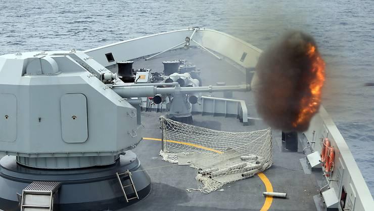 Am Wochenende führte die chinesische Marine im südchinesischen Meer zusammen mit einem Schiff aus Singapour ein Militärmanöver durch