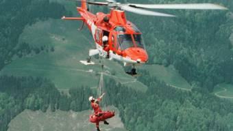Rega-Rettungseinsatz für einen Gleitschirmpiloten (Archiv)