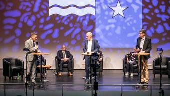Das Podium mit den Regierungsratskandidaten am Dienstagabend in Aarau.