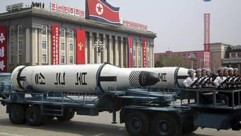 Es gibt Befürchtungen, dass Nordkorea zum 85. Gründungstag seiner Volksarmee an diesem Dienstag einen neuen Raketenstart oder sogar einen sechsten Atomversuch unternehmen könnte. (Archivbild)