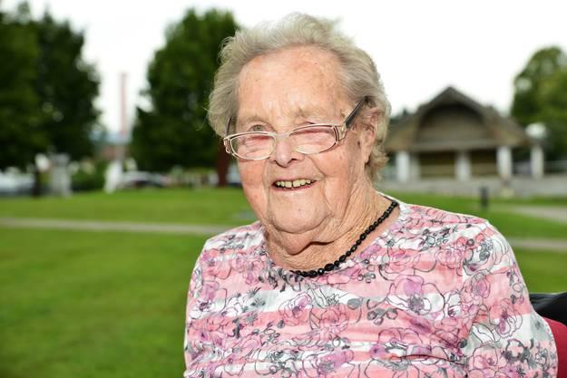 JOSEFINE WINKLER (101) hatte sich eigentlich damit abgefunden, blind zu sein. Seit kurzem aber kann sie wieder sehen. Und was sie sieht, macht ihr manchmal Sorgen.