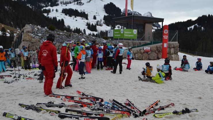Ein Nachmittag Skisport umsonst - die Cleven-Stiftung und Sponsoren machen es möglich.