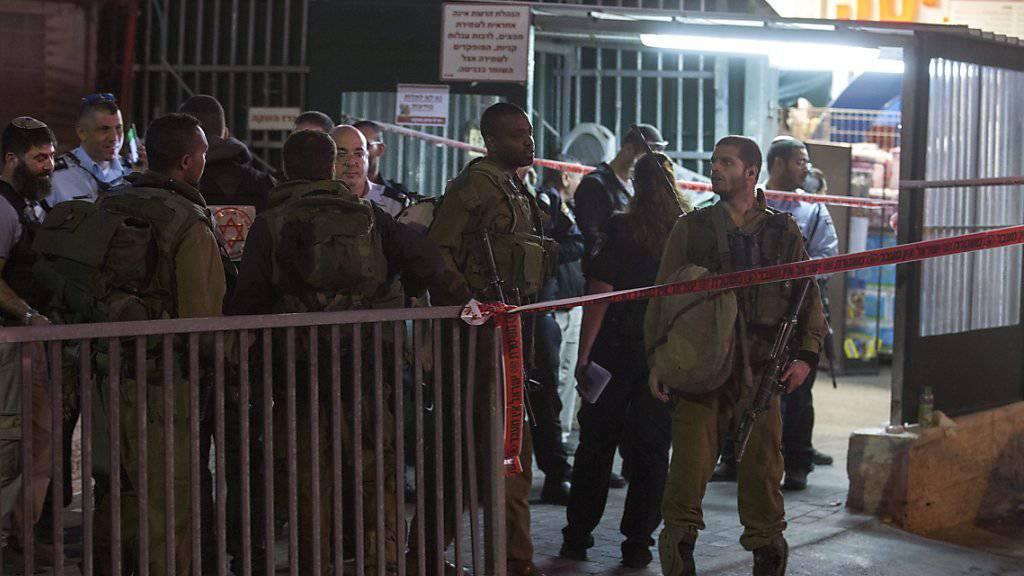 Tatort Supermarkt: Zwei junge Palästinenser werden bei der Tötung eines israelischen Soldaten im Westjordanland erschossen.