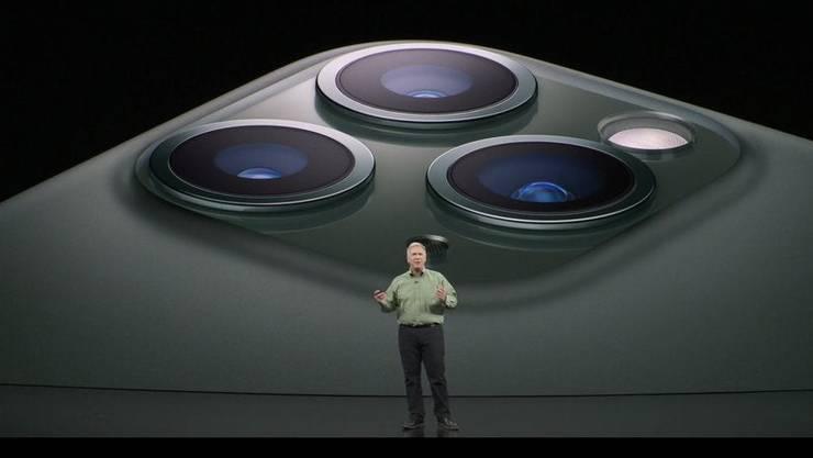 Das iPhone 11 Pro kommt mit drei Kamera-Sensoren auf der Rückseite (und Blitz).