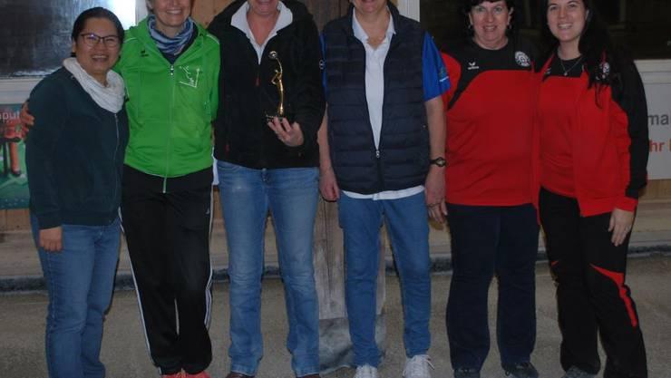 von links: Platz 2 Ning Lütold, Yvonne Schüpbach - Platz 1 Dominique Huguenin, Nicole Wettsein - Platz 3 Barbara Maurer, Daniela Maurer