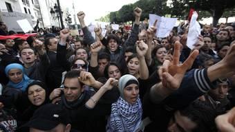 So demonstrieren die Menschen in Tunesien auf der Strasse