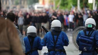 Hooligans und Polizei