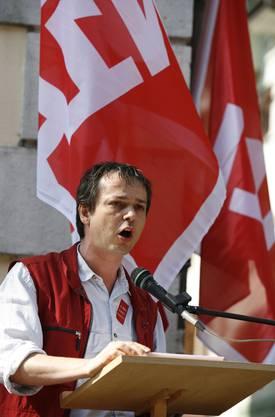Hier spricht Hadorn an einer 1. Mai Kundgebung im Jahre 2007