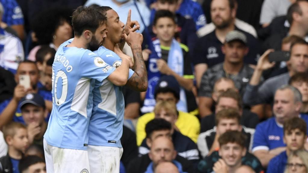 Ein Fingerzeig an die Konkurrenz: Gabriel Jesus nach seinem Siegtor für Manchester City gegen Chelsea.