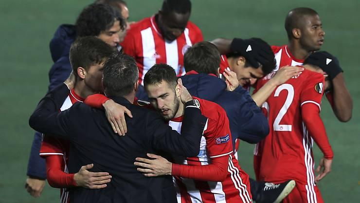 Die Spieler von Olympiakos dürfen sich nun definitiv über den siebten Meistertitel in Folge freuen (Archivbild)