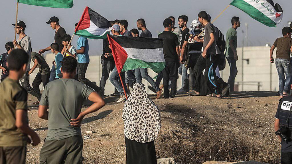 An der Grenze zwischen Israel und dem von der radikal-islamischen Hamas kontrollierten Gazastreifen kommt es immer wieder zu Demonstrationen und tödlichen Zusammenstössen. (Archivbild)