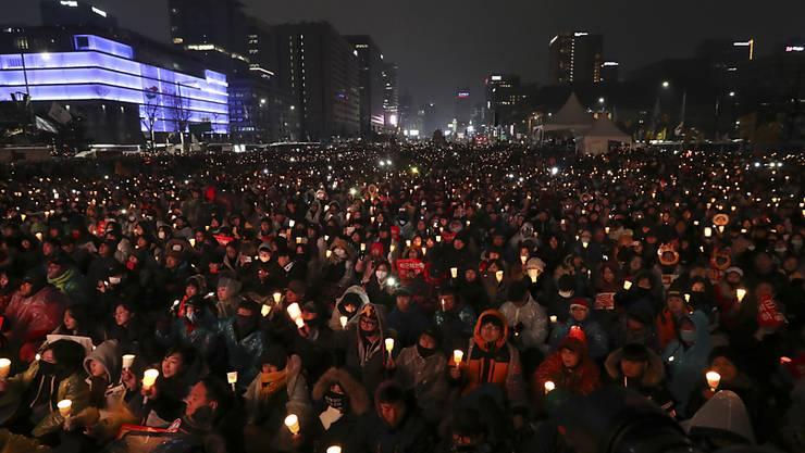 Hunderttausende demonstrieren in Seoul