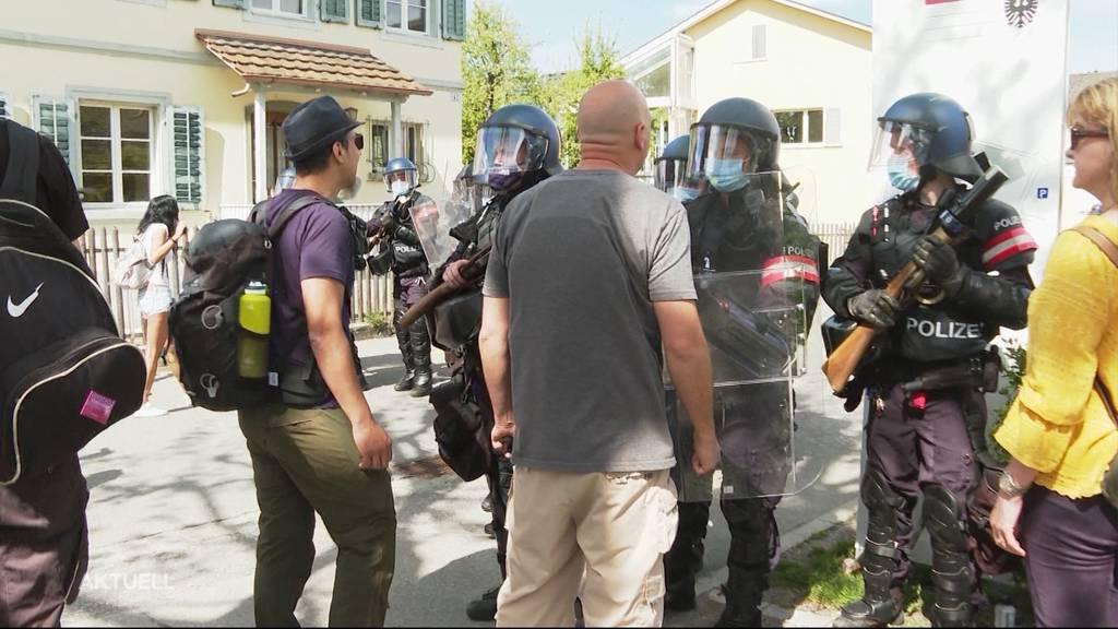 Verhältnismässig? Der Polizeieinsatz an der Corona-Demo in Aarau sorgt für Kritik