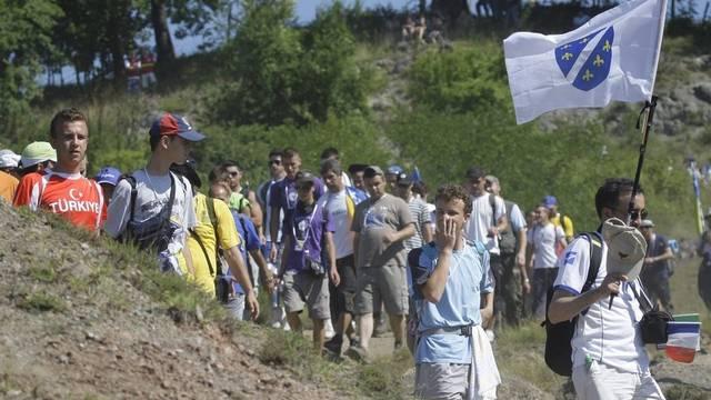 Teilnehmer des Friedensmarsches bei Nezuk