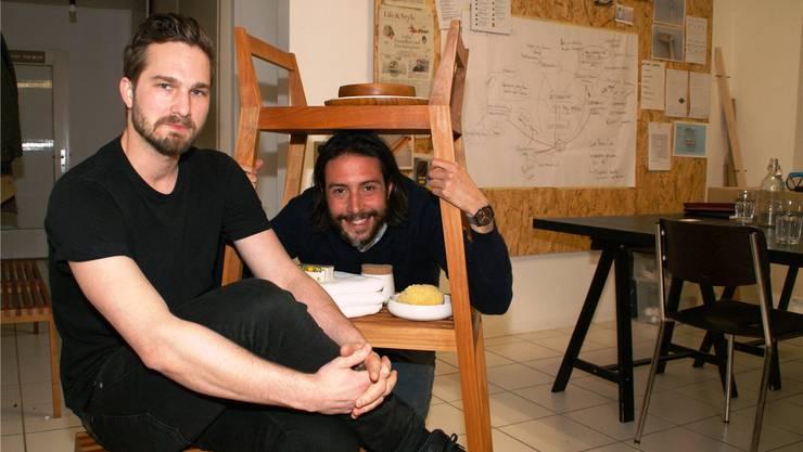 Die Badezimmermöbel von Moritz Reich (vorne) und Luca Pibiri sind vielseitig verwendbar. Sibylle Haltiner