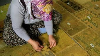 Aus alten Teppichen enstehen neue