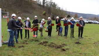 Nur sieben Monate nach dem Spatenstich soll das neue Produktionsgebäude der Jehle AG bereits in Betrieb gehen. dka