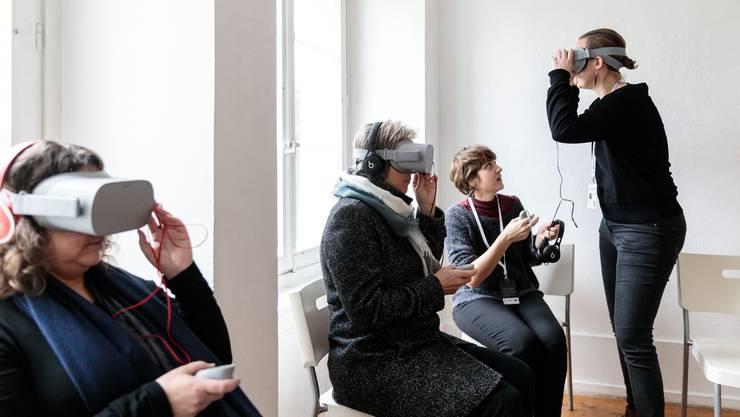 Besucher können mit einem VR-Set 4 verschiedene Filme anschauen