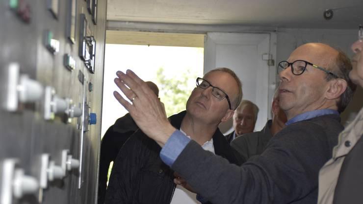 Viktor Stutz gibt sein Wissen zur Funktion der Pumpwerke gerne weiter.