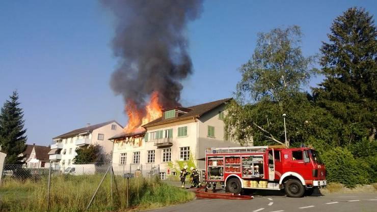 Das Haus stand zum Zeitpunkt des Feuers bereits leer.