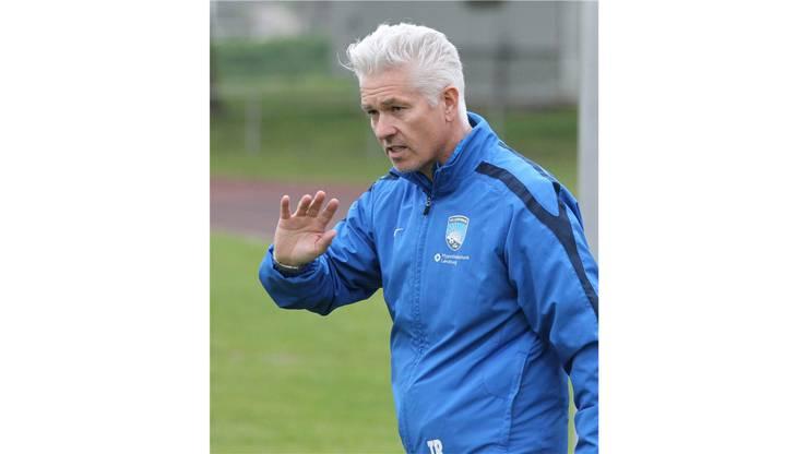 Lenzburgs Trainer Herbert Koitzsch im Element.