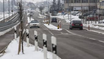 Zick-zack-fahren, Inseli, Randsteine: Die Kantonsstrasse in Lohn-Ammannsegg (2,7 Mio. pro km) hat die Politik mehrmals auf den Plan gerufen.