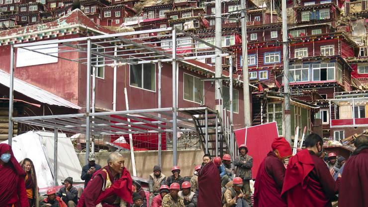 In Larung Gar lebten einst mehr als 10'000 buddhistische Gläubige - heute leben dort weniger als halb so viele.