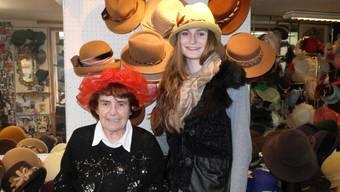 Das Geburtstagskind Ruth Stoll und ihre Nichte Helena Bruchhäuser lieben ihren Beruf.