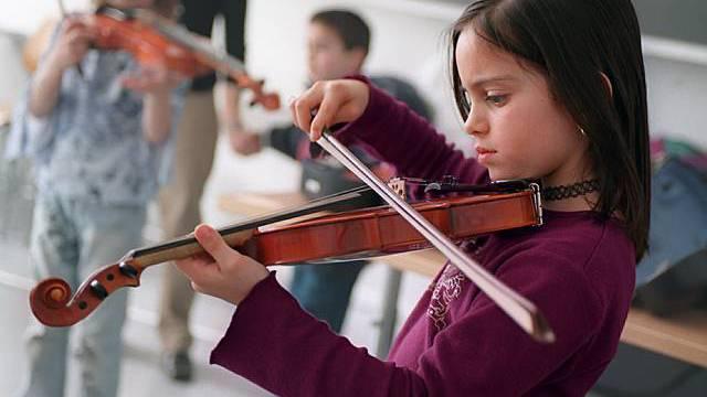 Alle Pläne für Kürzungen beispielsweise beim Musikunterricht sind klar abgelehnt worden. (Symbolbild)